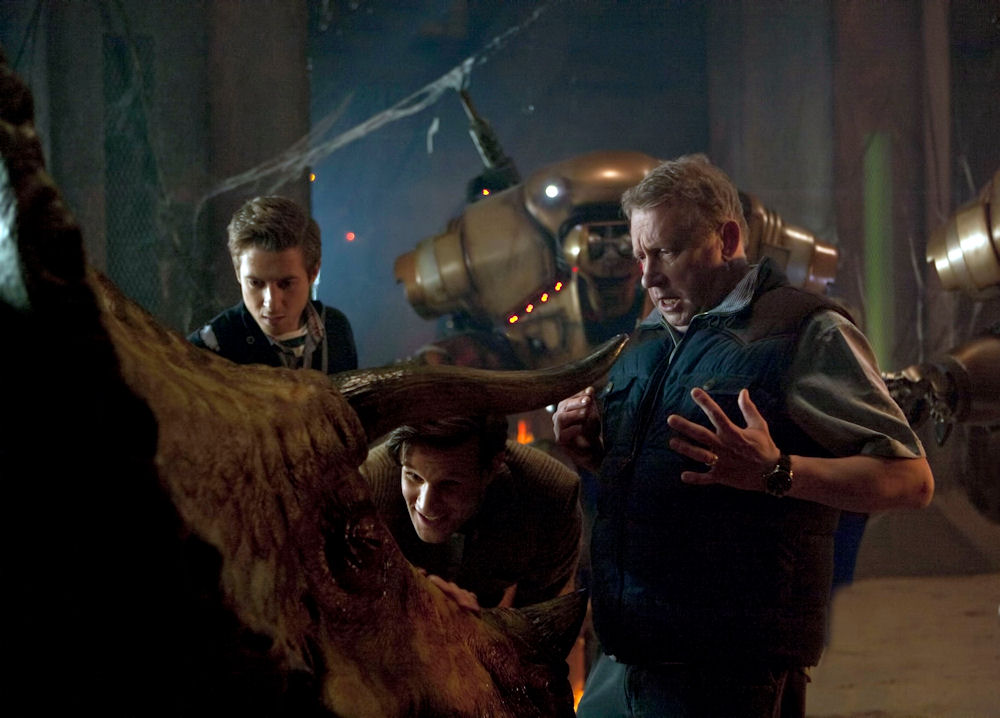 DOCTOR WHO «7×02 – Dinosaurs on a Spaceship»