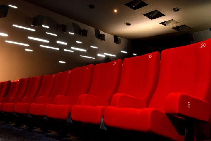Entrées en salles et cinéma français : nouveau recul en février