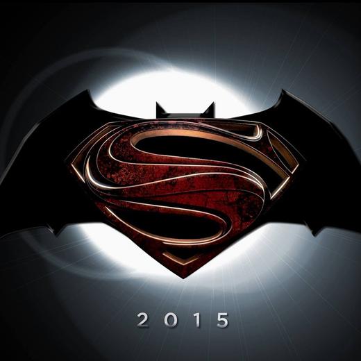 Batman v. Superman: Zack Snyder dévoile SA photo de la Batmobile