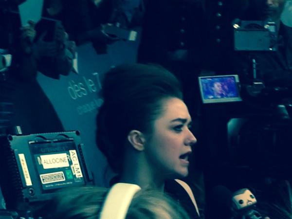 Maisie Williams en interview. Photo Kasilla