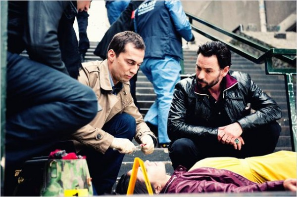 Cheron et Falco sur une scène de crime de la saison 1. Photo TF1
