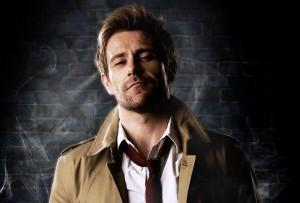 Nouveau trenchcoat pour Constantine et nouvelle gueule (Matt Ryan).