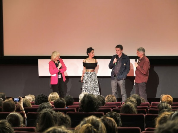 Oona Chaplin avec le scénariste Brian Elsley, créateur de Dates, juste avant la projection de la série à Séries Mania. Photo Isabelle Ratane