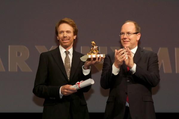 Jerry Bruckheimer reçoit son prix des mains du Prince Albert. Photo Isabelle Ratane