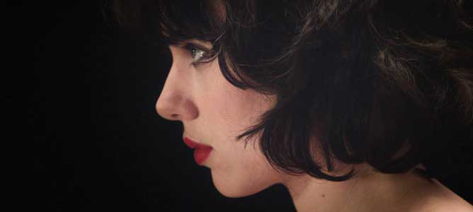 MOVIE MINI REVIEW : critique de Under The Skin