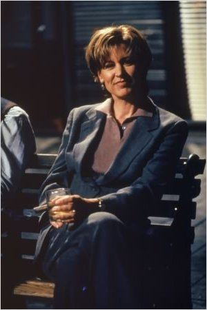 Le docteur Kate Austin (Christine Lahti).