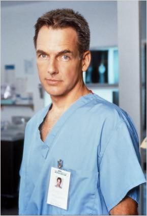 Le docteur Jack McNeil (Mark Harmon).
