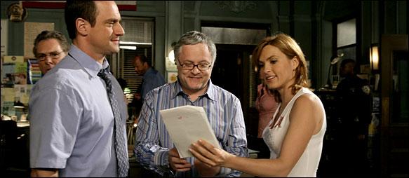 Neal Baer sur le plateau de Law & Order: Special Victims Unit
