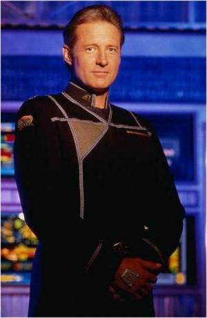 Bruce Boxleitner, dans l'uniforme du Capitaine Sheridan