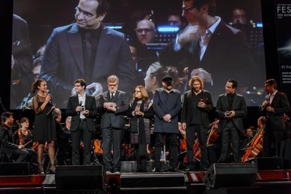 Les compositeurs présents à la remise de prix : Fernando Velazquez, Jean-Michel Bernard, Maria Giacchino (représentant Michael), le groupe Archive. (Crédit : Jean-Claude Guilloux)