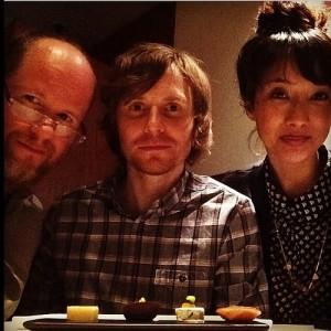 Joss Whedon, son frère Jed et la femme de celui-ci: Maurissa Tanchaoren. Ils ont collaboré tous les trois à Dr Horrible, Dollhouse et aujourd'hui Agents of SHIELD