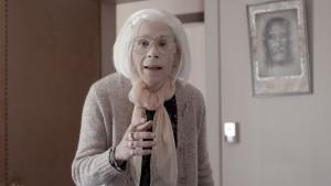 Martin Villeneuve sous les traits de sa grand-mère dans Imelda – Image : Benoît Beaulieu, Prends ça court ! © 2014