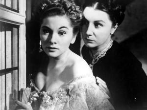 "Joan Fontaine et Judith Anderson dans ""Rebecca"", d'Alfred Hitchcock"