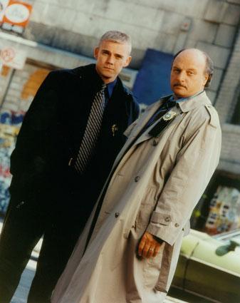 Danny Sorenson (Rick Shroeder) et Sipowicz, la paire des saisons 6 à 8.