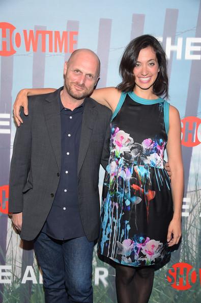 Hagaï Levi et Sarah Treem, créateurs de la série.