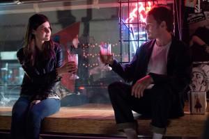 Max (Anton Yelchin) et Olivia (Alexandra Daddario).