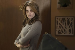 Evelyn (Ashley Greene).