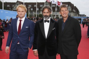 Jason Clarke, Baltasar Kormakur et le producteur britannique Tim Bevan à Deauville vendredi. Crédit : DR.