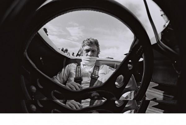 vignette_02_Steve McQueen behind the wheel at Pre- Sebring warm-up Holtville USA February 1vignette_970 Photo Credits RICHARD GEORGE