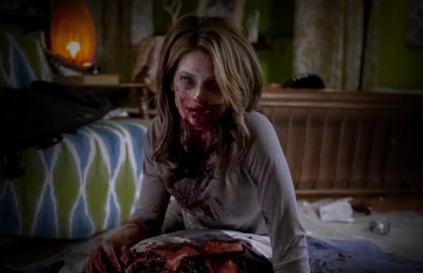 Ashley Greene dans Burying the Ex.