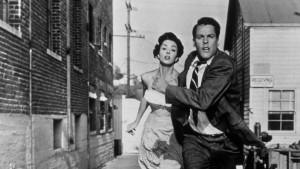 Kevin McCarthy et Carolyn Jones dans Invasion of the Body Snatchers.
