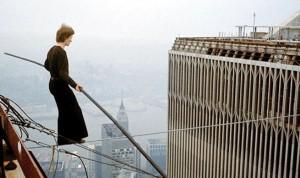 Le vrai Philippe Petit au-dessus du vide, dans Man on Wire de James Marsh (2008), Oscar du meilleur documentaire en 2009.
