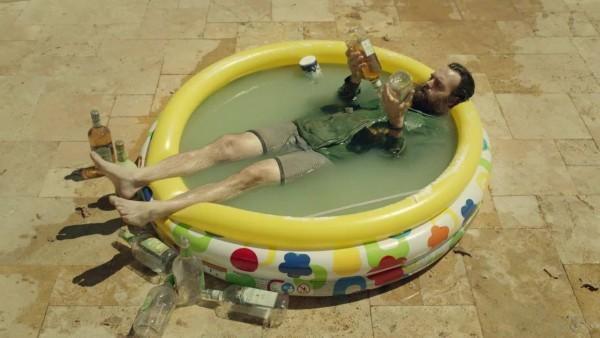 Phil Miller et sa piscine de margaritas.