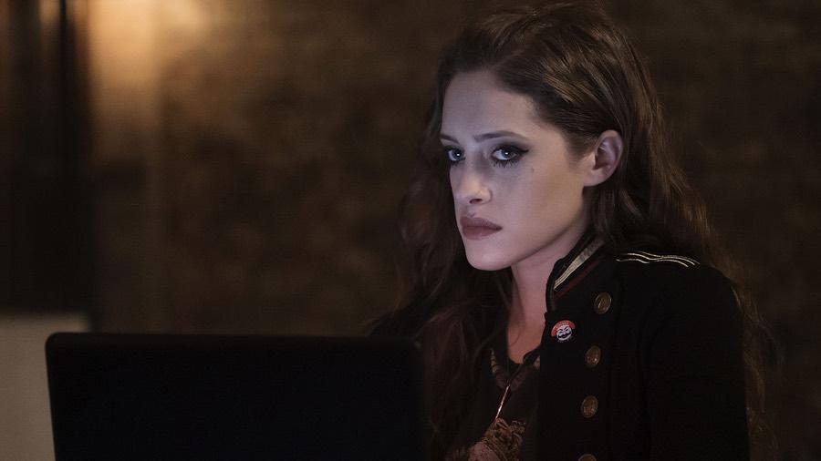 Darlene (Carly Chaiken)