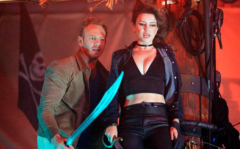 TV MINI REVIEW : critique de Sharknado The 4th Awakens