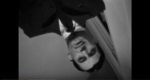 Le plus beau et dingue plan débullé du monde avant un panoramique vertical aussi remarquable que justifié. Cary Grant dans Les Enchaînés (Notorious) d'Hitchcock