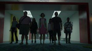 """Phil et les autres survivants de la série """"Last Man on Earth"""" arrivent dans leur nouvelle """"maison""""."""