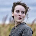 Bizarre triangle amoureux (Death and Nightingales / RTÉ One / BBC Two)